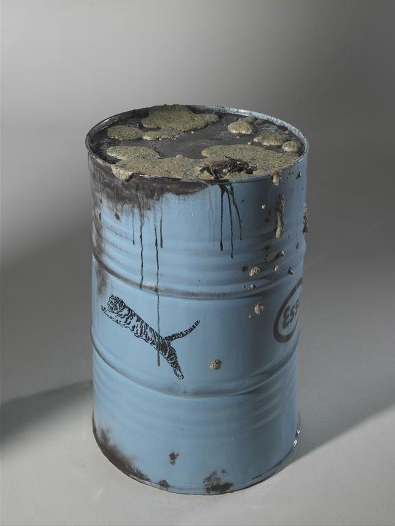 Bertozzi&Casoni, Barile con granchio, 2006, ceramica policroma, cm 83x54x54