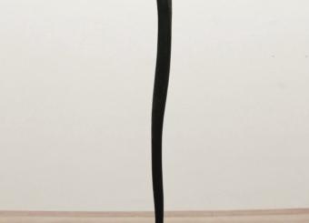 Senza titolo, 1986, piombo e legno combusto, cm 255x80x60