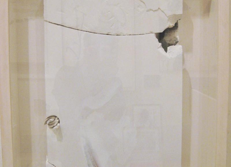 Ritrovamenti, 2010, tecnica mista su tavola e scagliola, cm 60x40