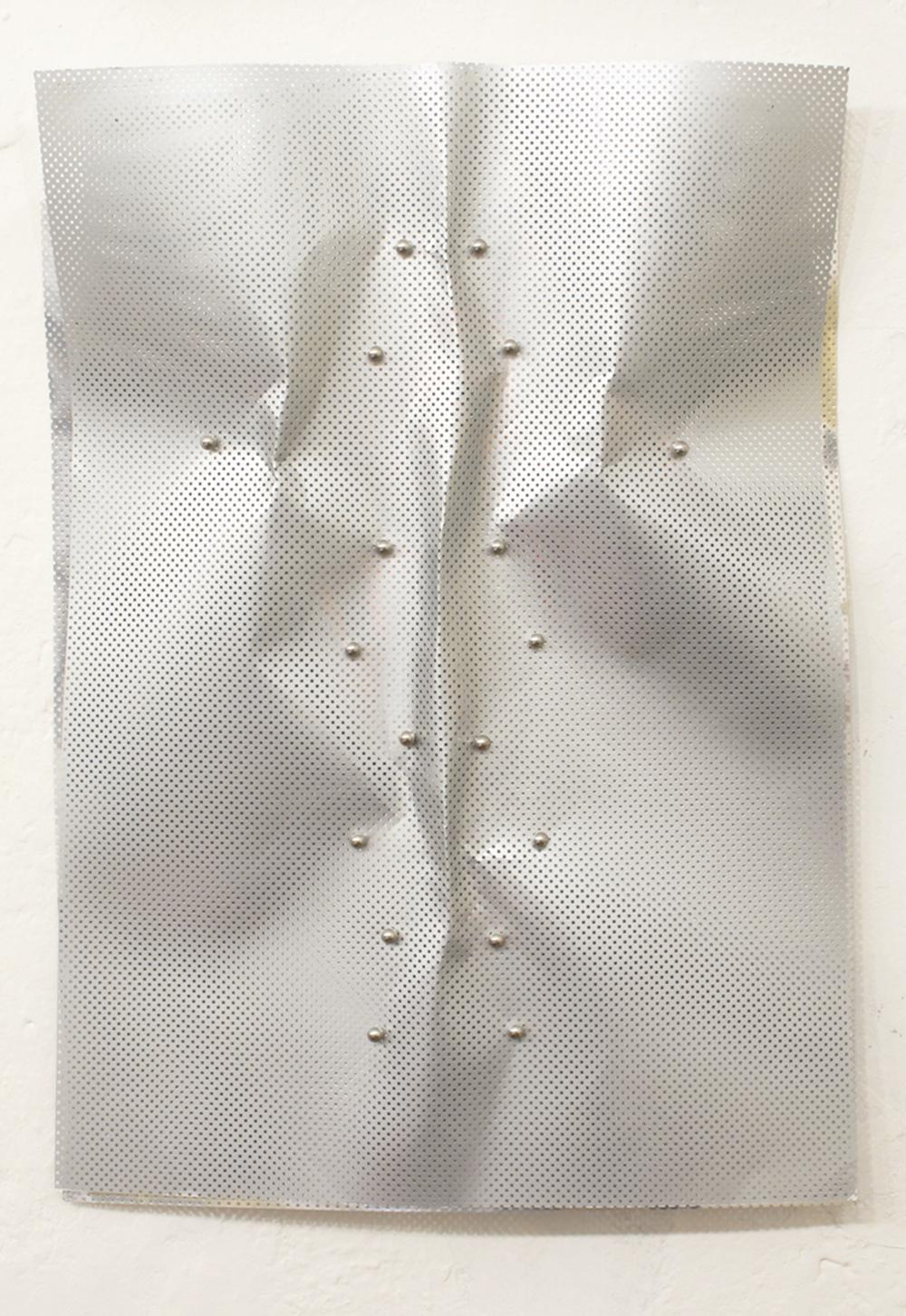 Gianni Moretti, Esercizi di misurazione della breve media e lunga distanza, 2011, carte e magneti, cm 70x50