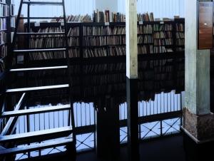 Rue Visconti 5, 2010, fotografia digitale a colori (oil room), cm 150x200