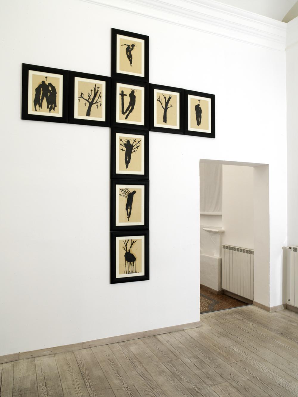 Senza titolo, tecnica mista su carta, installazione di 09 disegni, cm 300x260