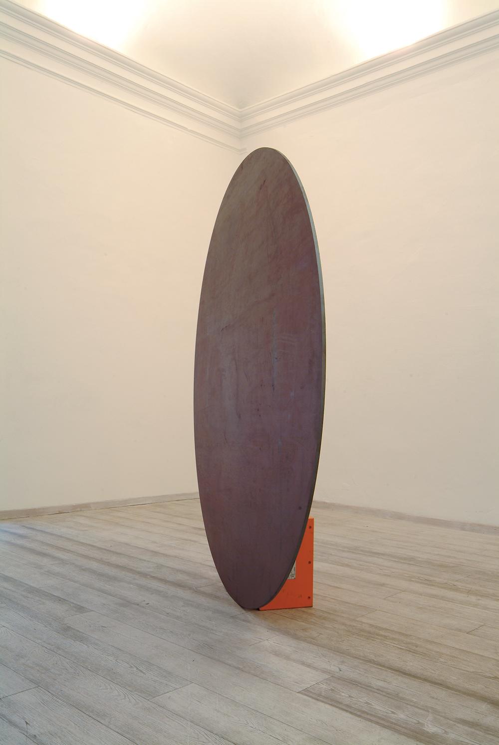 Disco in equilibrio, 2005, ferro e magnete, Ø cm 225