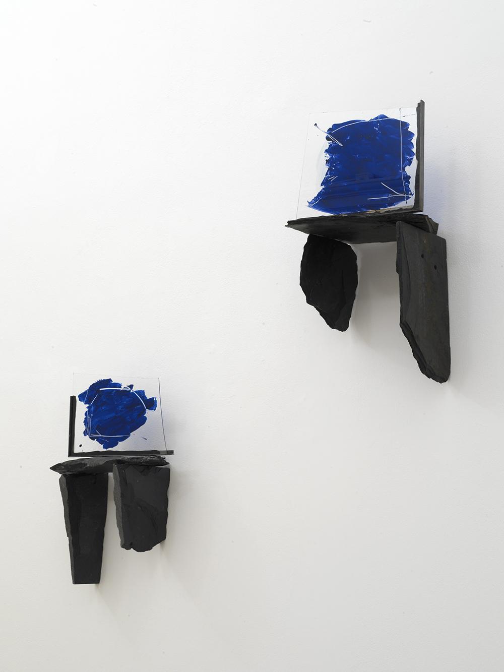 Casa del cielo (1), 2006, ardesia, vetro, cm 70x47 e Casa del cielo (2), 2006, ardesia, vetro, cm 75x40