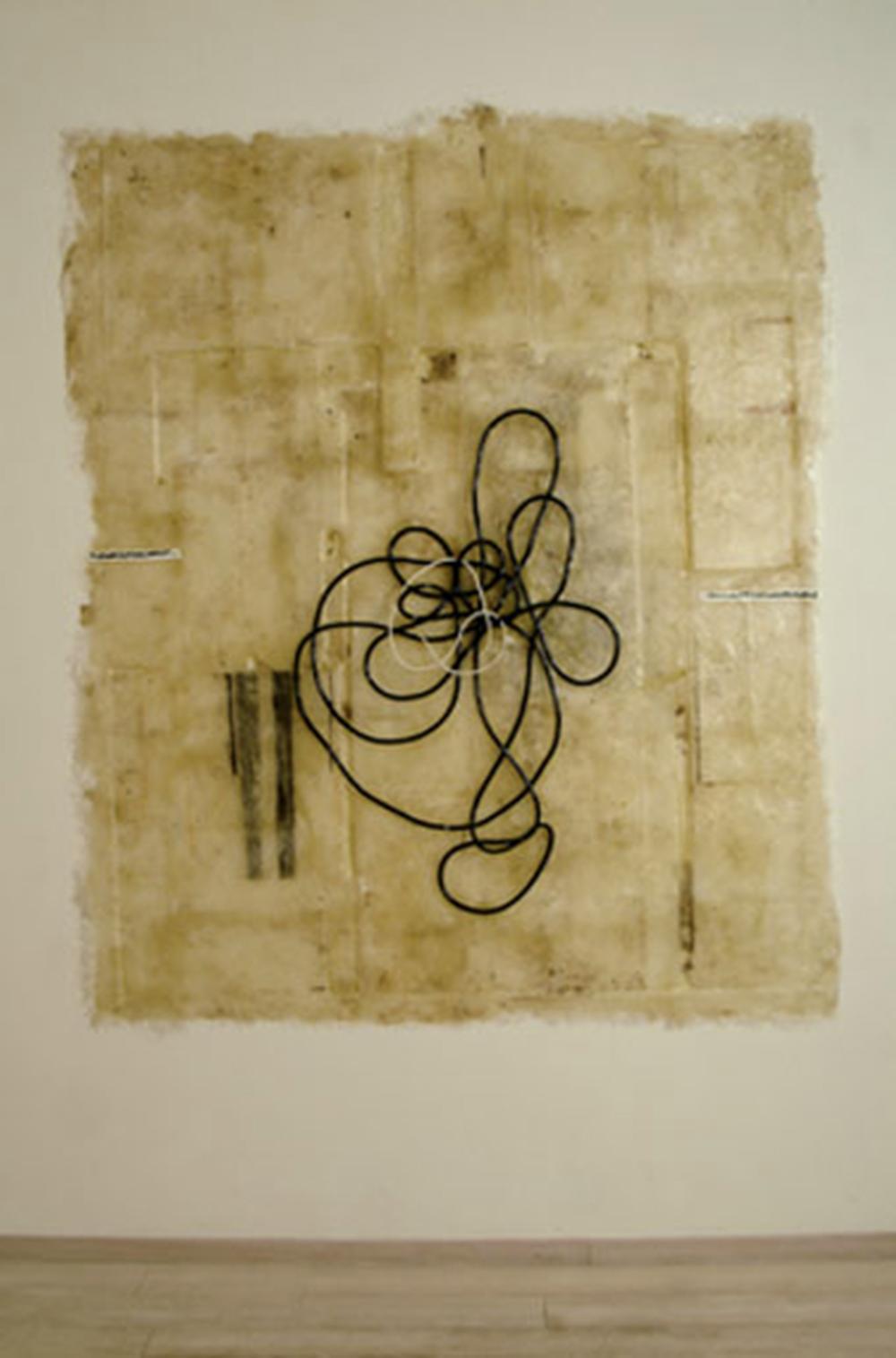 Grande nodo, 2005, gomma, corda e olio su vetroresina, cm 260x220