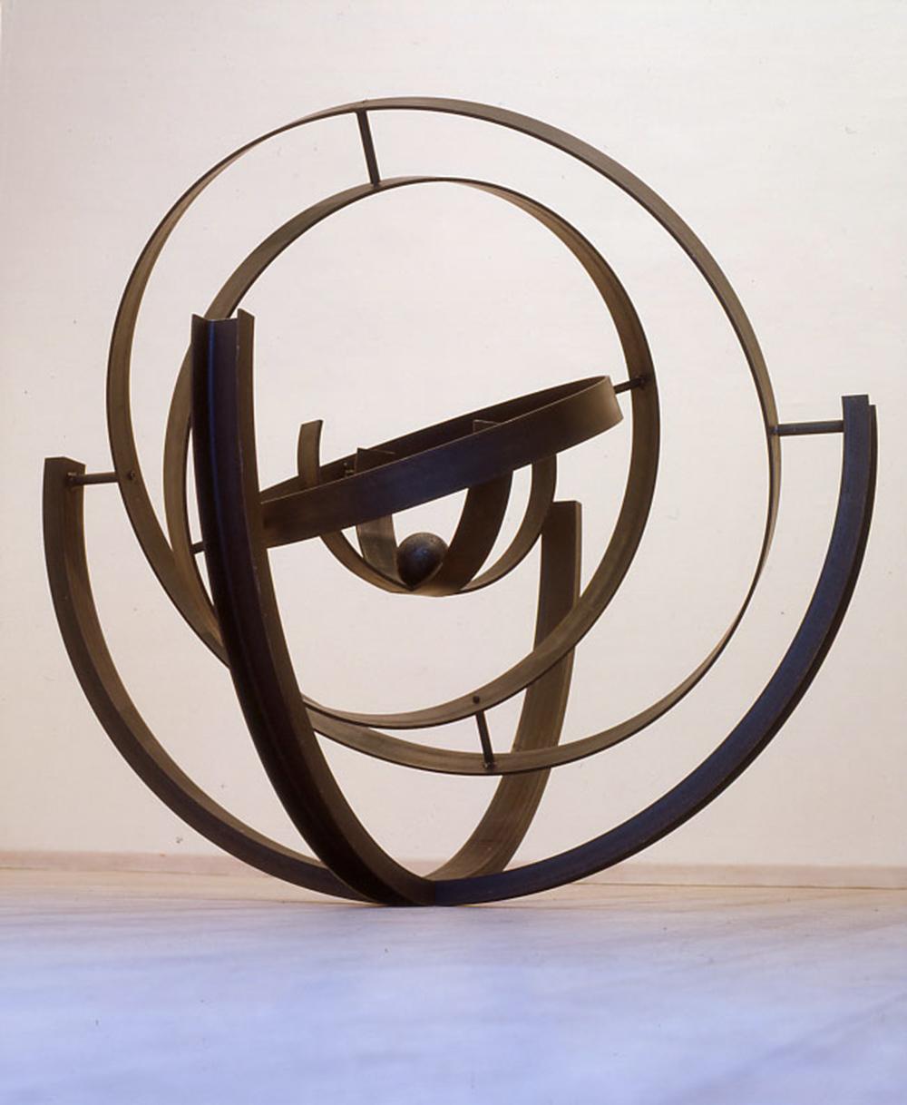 Eliseo Mattiacci, Capta segnali, 2003, ferro, cm 160x160x160