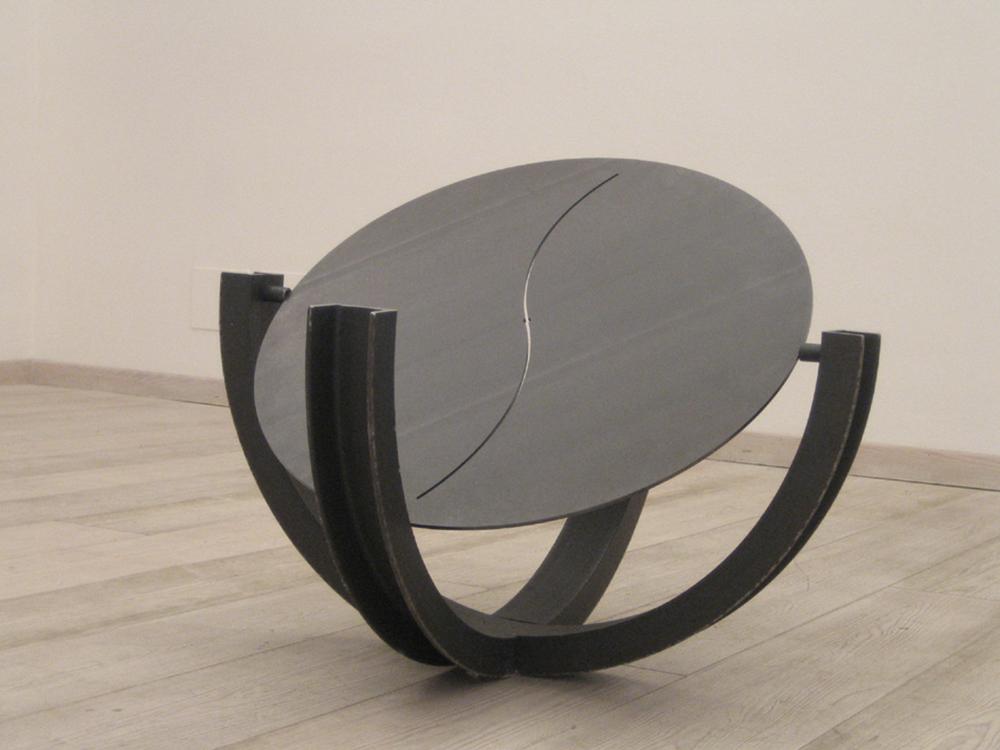 Capta segnali, 2004, ferro, cm 70x70x70