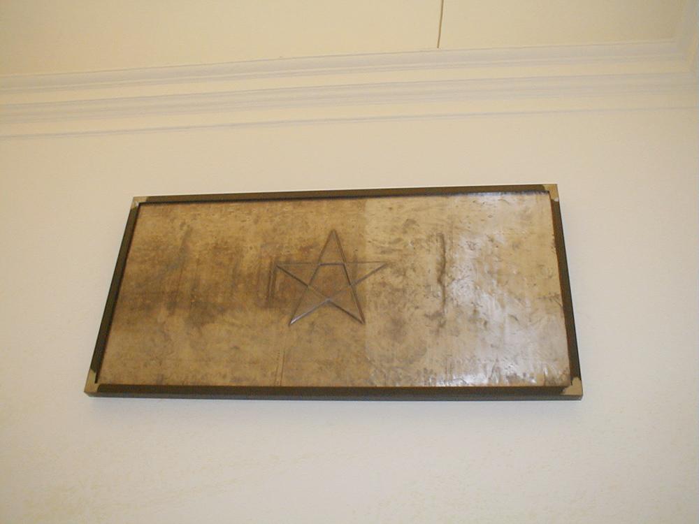 Stella, 2002, piombo, ferro, legno, cm 100x200