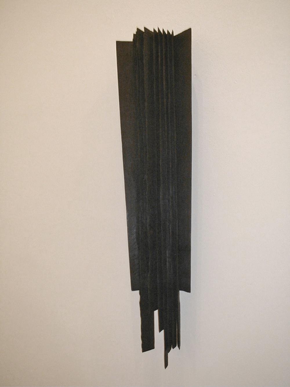 Senza titolo, 2002, legno combusto, cm 100x40