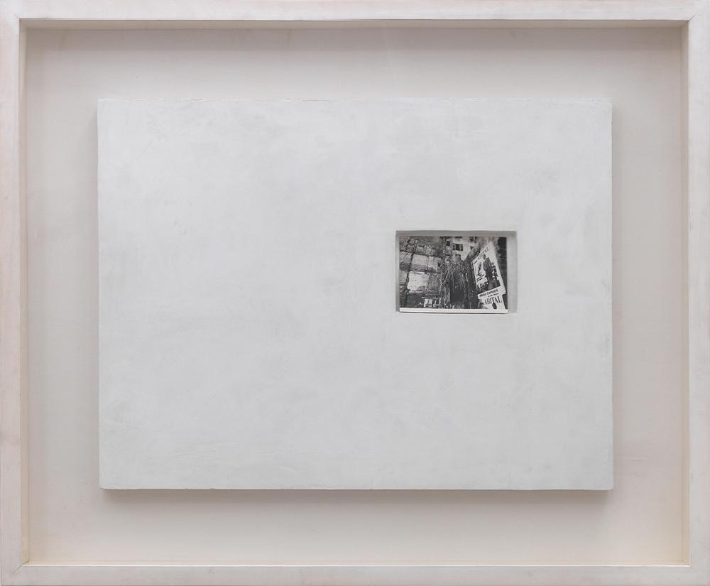 Affreschi, 1972, scagliola con edicola e stampa ai sali d'argento, cm 65x85