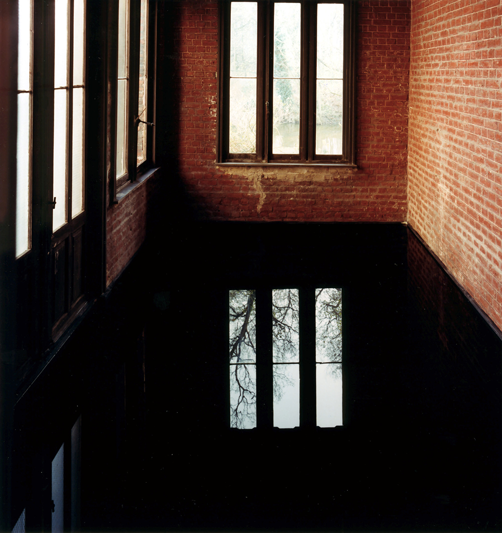 Play House, 1992, fotografia a colori, cm 185x175