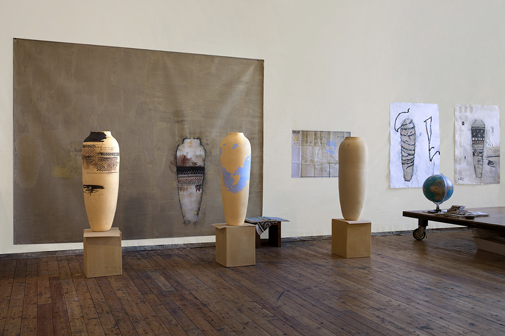 Visione d'insieme Ceramiche, 2009-10, tecnica mista su tela, cm 220x340, vasi e carte