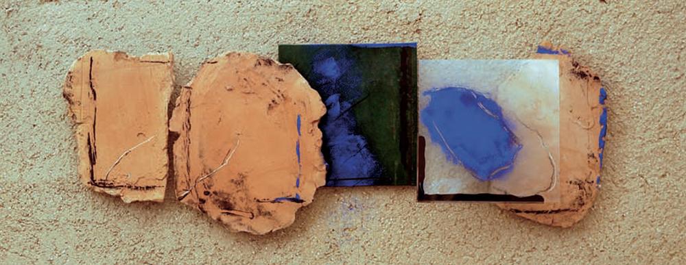 Marco Gastini, Terra cantata, 2011, tecnica mista, terracotta e vetro, cm 40x115