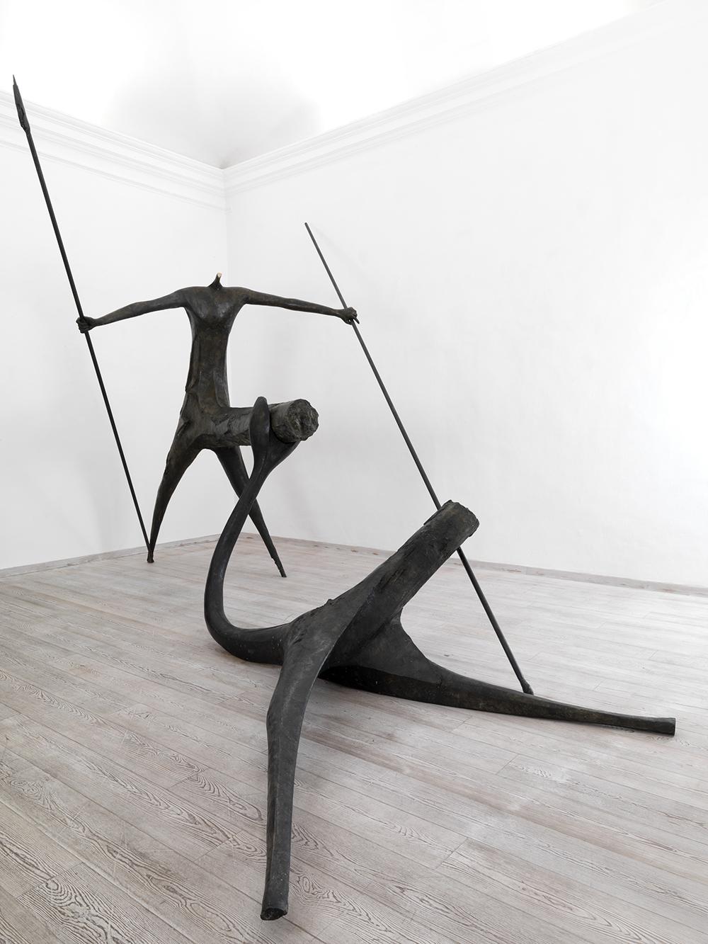 L'occhio di Narciso, 2009, bronzo, cm 530x250x180 (escluse lance)