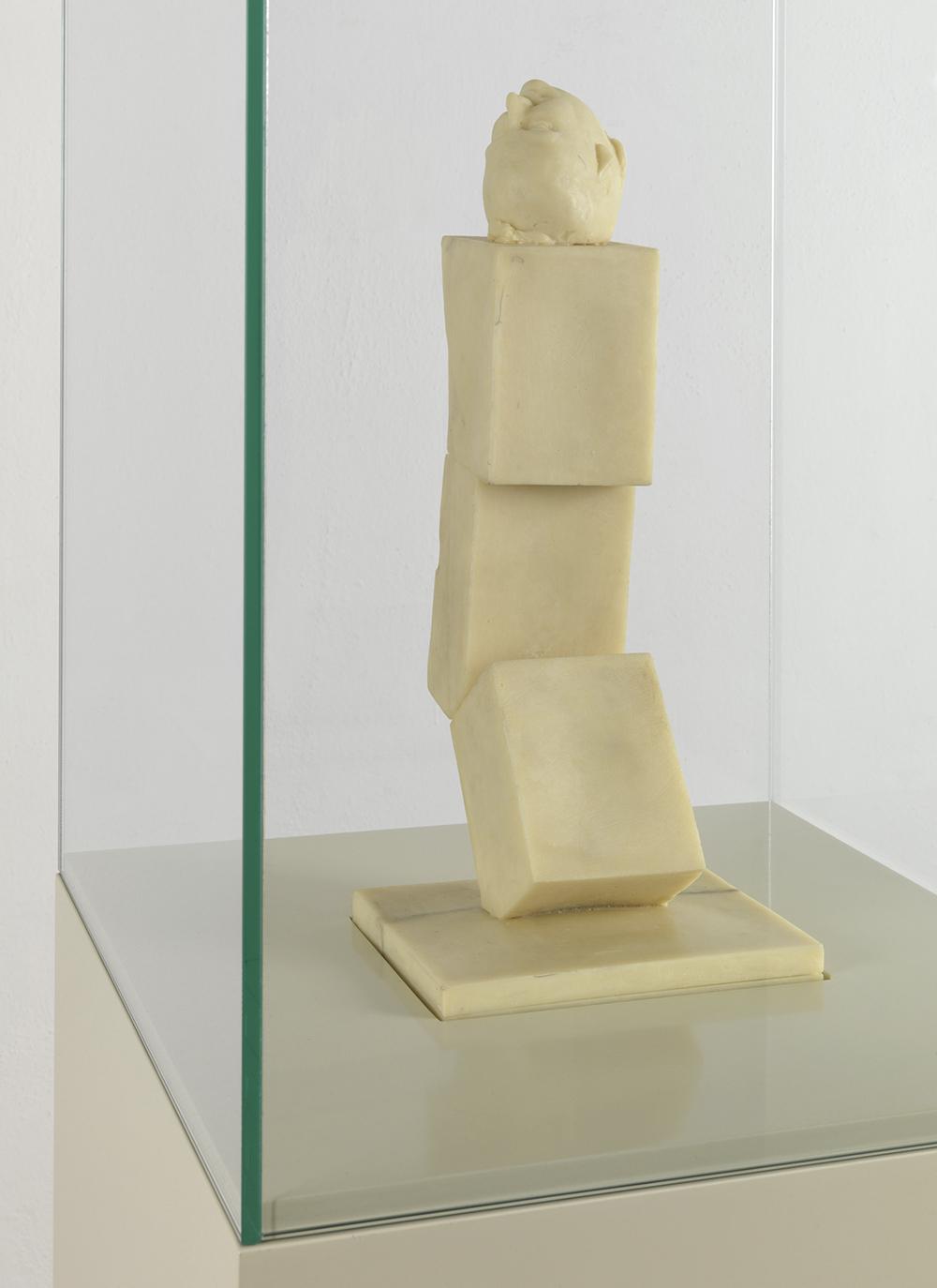 Ex voto I della serie Art is the better life, 2007, cera, vetrina di vetro su base di legno laccato, cm 185x35x35