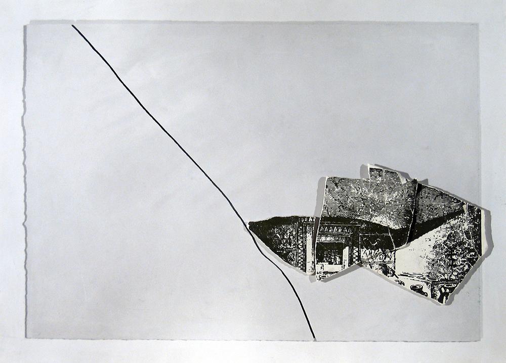 Dentro l'immagine, 1973, stampa fotografica e frammenti di gesso serigrafati, cm 35x45