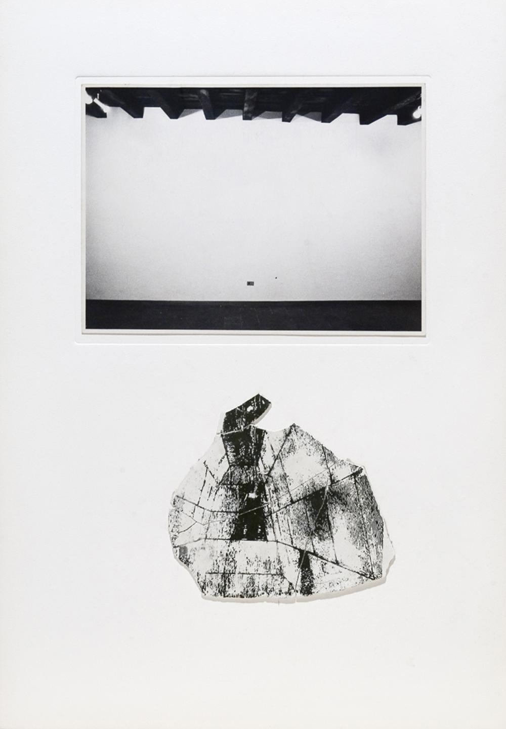 Dentro l'immagine, 1974, stampa originale e frammenti di gesso serigrafati, cm 50x35