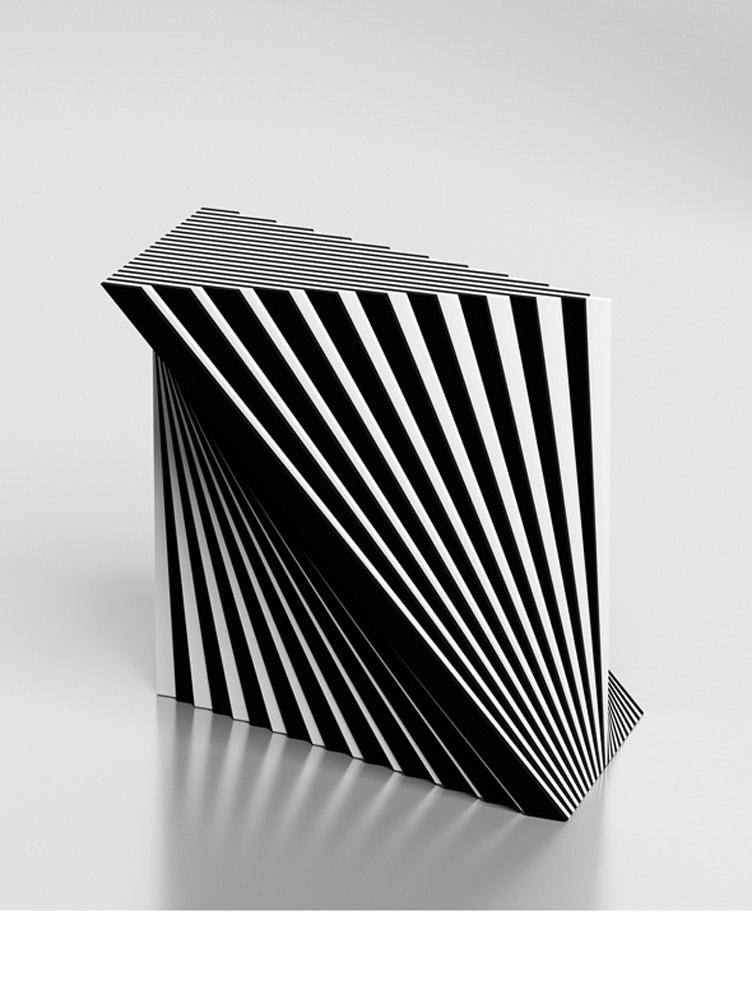 Scultura 470A, 2005, plexiglas, cm 30x30x16,5