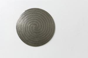 Giovanni Termini, Girogiromondo, 2012, catena da bici in ferro nichelato, diametro cm 63