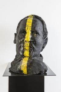 Gianni Dessì, Ritratto, 2014/2015, olio su ceramica Raku, cm 37x27x41
