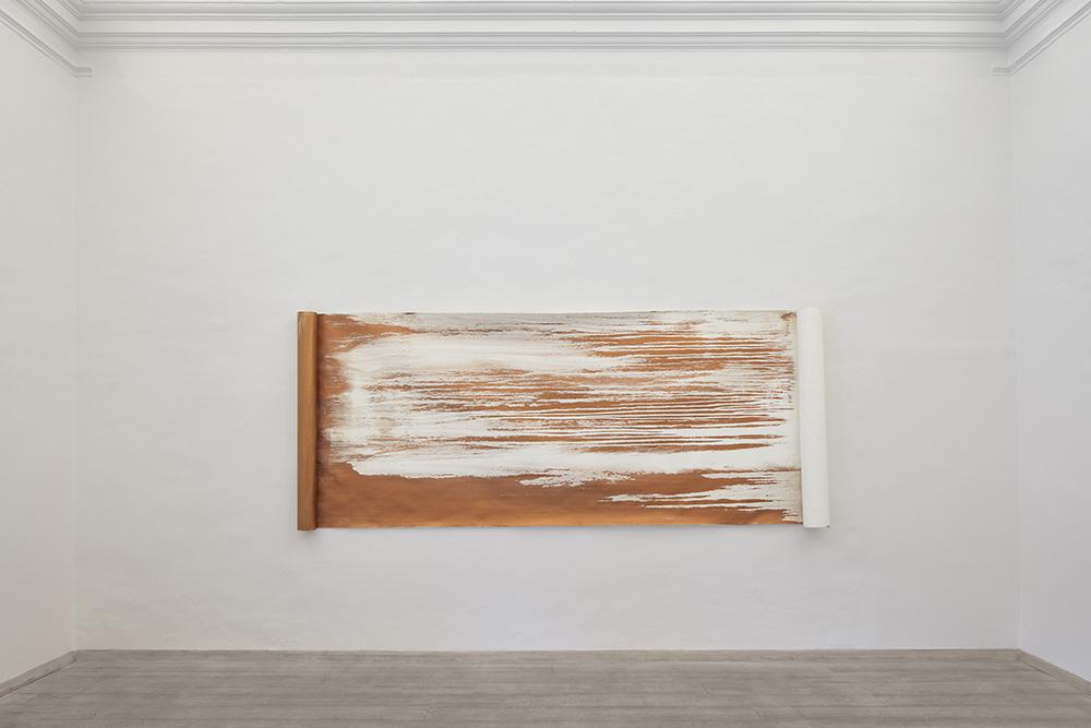 .Il vento, 2021, polvere di bronzo emulsionata su carta, cm 140x340