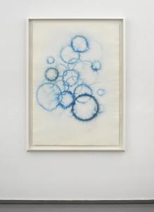 Dazzle, 2021, tempera mista e polvere di bronzo su carta, cm 140x100