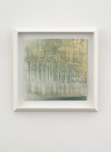 Shimmer, 2021, tempera mista e polvere di bronzo su carta, cm 41x41